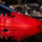RT @ComplexMag: Pharrell x adidas Originals. THIS WEEKEND. http://t.co/JeMIi8FcI4 http://t.co/I5BDFlvpop