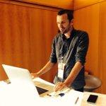 @julienbouliou de #lecodelapresquile fait salle comble au #medialabST avec une presentation de @ThingLink http://t.co/G6va5MyVPX