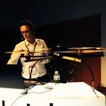 Gaetan Rault de #Pixiel nous montre comment et pourquoi filmer avec des #drones au #medialabST #NantesDigitalWeek http://t.co/N1oBBkQdc6