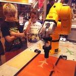 RT @anthonycapa: #NantesDigitalWeek échanges passionnés chercheurs/enfants sur les #robots @CAPACITES_SAS @UnivNantes #NextGeneration http://t.co/eddDdVFW7D