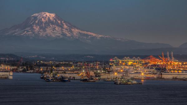 Beautiful photo! RT @marianoiannuzzi: Port of Tacoma by Frozen Image Photography http://t.co/xIuX2nd6ET