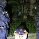 """""""@SBSNews: UPDATE: Arrests made following counter#terror raids in #Brisbane and #Sydney http://t.co/0A5lG1P87W http://t.co/9Uv0FFGpW7"""""""