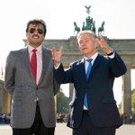 سمو الأمير الشيخ تميم بن حمد آل ثاني يستمع لحديث عمدة برلين كلاوس ووريت أمام بوابة براندنبورغ #قطر #غرد_بصورة http://t.co/6udPF2wd4r