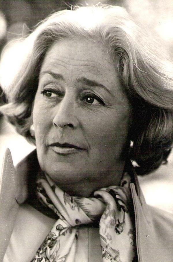 A los 92 años falleció la telentosísima actriz, directora y humorista China Zorrilla. ¡Gracias por tanto! Q.E.P.D. http://t.co/D3c8IcMfAB