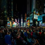 RT @TimesSquareNYC: On Monday, The @MetOpera simulcasts live in #TSq. Catch Le Nozze di Figaro in #NYC's town square, 6:15 p.m. #MetON http://t.co/RJHm2asjy8