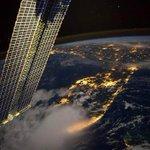 صورة التقطها رائد الفضاء الأمريكي ريد وايزمان من محطة الفضاء الدولية لولايتي فلوريدا ولويزيانا قبل الفجر #غرد_بصورة http://t.co/efy4EAltfL