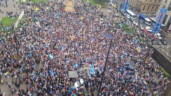 George Square tonight : never seen the like! #indyref http://t.co/MvkN5sv4UU