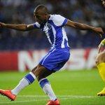 Brahimi com a camisa do Porto: 6 jogos oficiais 4 gols 2 assistências - 3 gols na UCL, 1 na pré-Champions http://t.co/DZWZ3IL9Jr