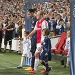 #Ajax pakt punt tegen PSG. Verslag en foto's: http://t.co/jgnw64cWbu #ajapsg #UCL http://t.co/68WjdDBfOP