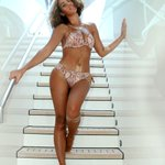 .@Beyonce shares her amazing vacation snaps, makes rest of the world envious. #PopNews http://t.co/ty3HRY8dnZ