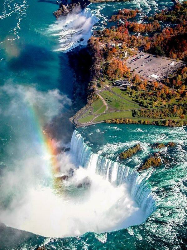 Bird-eye view of Niagara Falls. http://t.co/t0jsYFzwkP