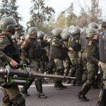 #URGENTE ahora en Lear, la Gendarmería ataca a los medios para que no cubran represión a los trabajadores http://t.co/ClpW1rj9QQ