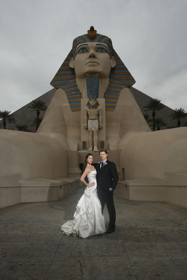 Say ur I do's some place romantic, & unique! Create the unforgettable moment in the #Pyramid! http://t.co/DXt2HFX9hZ http://t.co/oGk2QsUlR3