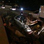#Importante. Árbol que cayó sobre un vehículo, ocasiona trafico sobre av. Vallarta sentido Gdl-zapopan en los cubos. http://t.co/V2Th4cjzY7