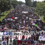Los dos gigantes despiertan: #UNAM e #IPN marcharán juntos el #2deOctubreNoSeOlvida http://t.co/VXjIelGR8t