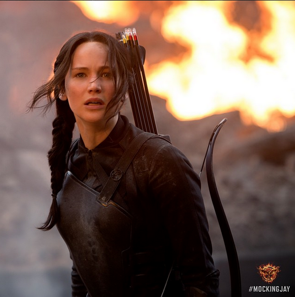Day 8 of the image blitz from @TheHungerGames brought us Katniss & Peeta! Talk about ending with a bang! #Mockingjay http://t.co/EubuLAOAIh