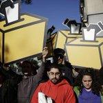 カタルーニャ州政府、独立投票活動を中止―憲法裁判断受け http://t.co/ld4r2rYjco (Reuters) http://t.co/gS7c9WkrsG