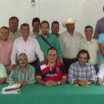 RT @Sexenio_AGS: Priístas nos comprometemos de frente http://t.co/iJ3rOXAuJv @PacoGuel @PRIAguas http://t.co/yT1hgEqIg7