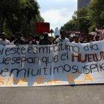 #QueNoSeTePase Protestan estudiantes del IPN en el Ángel http://t.co/Wmse93XDBn http://t.co/ZhDhrIs12i
