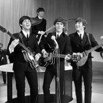 RT @Estadao: Beatles: Alice Cooper, Bob Dylan e The Cure fazem disco de versões; ouça http://t.co/MXQVLqwu6G http://t.co/ch2KsNAZEP