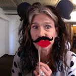 Hey, its @iamstevent and @twittermusic at the @Twoffice! http://t.co/JAlTNGgHup