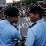 RT @WSJJapan: 抗議・抵抗活動に妥協しない中国政府。 #香港 のデモ隊に対しても、その原則の例外になる気配はほとんどない⇒香港でも「妥協なし」か―強まる中国の強硬姿勢 http://t.co/aFmNwTl49J (AP) http://t.co/FyVvrP69H0
