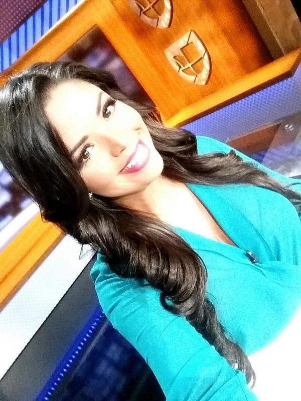 Carla Aranguren (@carladeportes): Ahora si, feliz noche y feliz inicio de Octubre! http://t.co/ulzEHISJrn