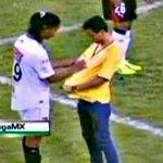 Ronaldinho en méxico : - 2 Goles - 1 Penal fallado - Miles de autografos - 17 pedas - 1 vez enfermo de chorrillo http://t.co/KuLV75o3PI