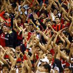 El canto de La Fiel... La afición del @AtlasFC gozó el triunfo 2-1 ante @Club_Queretaro http://t.co/F95RzyKP4K