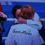 Sarita Devi hugs her S Korean opponent. This, ladies and gentlemen, is sportsmanship. #OurGamesOurPride #Incheon2014 http://t.co/a8LqX8cuj6