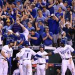 RT @KCStar: #Royals center fielder Jarrod Dyson is welcomed back to the dugout in the ninth inning after scoring http://t.co/tye6MeY2TB