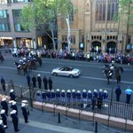 RT @barryofarrell: Governor arrives at Parliament House http://t.co/6DsfEdPWuE