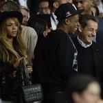 N. #Sarkozy était hier au Parc des Princes pour la victoire du #PSG, avec un nouvel ami ! #PSGBAR #UMP #AvecSarkozy http://t.co/NNMlDXeplM
