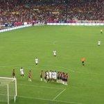 El gol de Ronaldinho http://t.co/ZSWLrBID9j