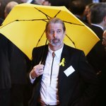 Councillor Paul Zimmerman brought umbrella to govt event to protest tear gas on #Occupy http://t.co/0lMufP5gjF http://t.co/oEglac18pk