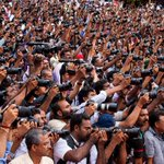 5000+ cameras Focusing VS at a function by All Kerala Photographers Association at #Trivandrum Photo: @zacimage http://t.co/oKC00sbPwO
