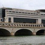Dette française : la barre historique des 2000 milliards deuros est franchie http://t.co/ZnlC3VRR1k http://t.co/uhuL8wLHB2
