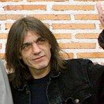 Família de Malcolm Young confirma demência do guitarrista http://t.co/iapWRULmoz http://t.co/3alv3RjgSe