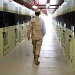 """""""@elespectador: ¿Colombia debería recibir presos de Guantánamo? http://t.co/gSx6vfXj03 http://t.co/bEJnufFyn2"""" // En las cárcel parque?"""