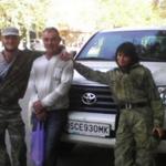 Терры: А это - наша крыша! #OSCE & #Terrorists RT @euromaidan О. ОБСЕ. http://t.co/CSVv74BjBS