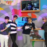 Ch check it out! @ericnamofficial @jamesjoohyunlee @Busker_Brad @Kevinwoo91 in the studio! #ASCOppas http://t.co/SPRvJzJ3eJ
