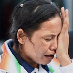 #AsianGames2014: Boxer Sarita Devi refuses to wear bronze medal on podium in protest, takes it in her hand http://t.co/8QIVmVec48