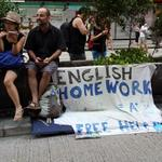 Free help on English homework for protesters in Mongkok. #OccupyCentral #OccupyHongKong @OCLPHK http://t.co/mppAIpkfxP