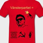 """på Flashback spånar de kring vilka t-shirts man skulle kunna bemöta @rossa_ds """"SD=rasister"""" med. och ja… kämpa. http://t.co/p1Co39wNAZ"""