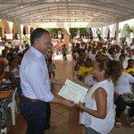 Mil #MujeresTansformadoras certificadas son #ConstructorasDePaz http://t.co/YqN6ohtWuQ @alcaldiavpar http://t.co/tPUM1FZvZm @JuanManSantos