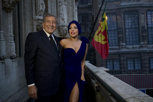 CHEEK TO CHEEK DEBUTS AT #1!! http://t.co/MWFLG5jc8g