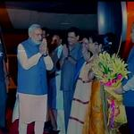 RT @ANI_news: Delhi : PM Narendra Modi welcomed at the airport by Delhi BJP leaders & Ministers http://t.co/wLY8NlRhel