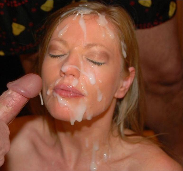 Зрелым женщинам обильно кончают в рот и на лицо
