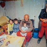 RT @AcaSapic: Slika porodice poginulog rudara, Zeljka Miletića i uslovi gde žive njegova supruga i troje dece, teraju suze na oči. http://t.co/uOwGajXuaA