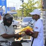 Gasolina escasa http://t.co/hayYCsEnHZ @alvaroiglesias1 @holmerjd @karenorcasita04 @AvaCarvajal @luiferpadilla http://t.co/9zYcwCeBI2